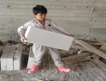 فرزندان مهاجران افغان هیچ منعی برای تحصیل در ایران ندارند