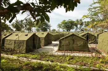 خشونت علیه پناهجویان گینه نو