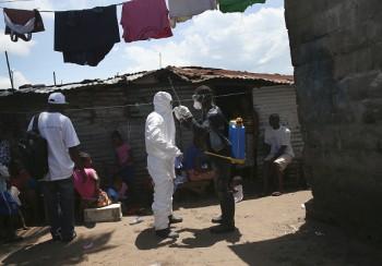 آزمایش واکسن ابولا در مقیاسی وسیع