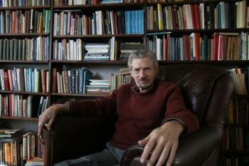 دکتر مایکل گروسو در خانهاش در شارلوتسویل، وا، در ۴ فوریه، ۲۰۱۵ (Tara MacIsaac/Epoch Times)