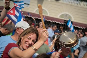 جشن مردم کوبا در میامی پس از مرگ فیدل کاسترو