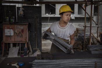 کارگر ساختمانی چینی
