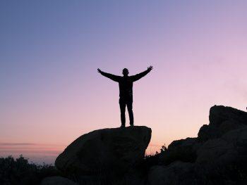 چگونگی کسب سه نوع اعتماد به نفس رفتاری، عاطفی و معنوی