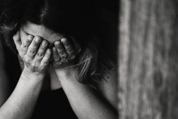 علائم و نشانههای اختلال استرس پس از سانحه چیست؟