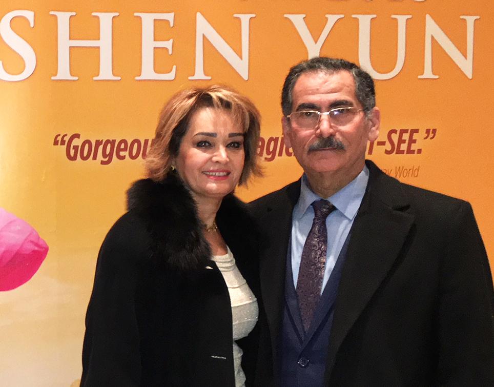 زوج ایرانی کانادایی: به ایرانیان توصیه میکنیم که شن یون را ببینند