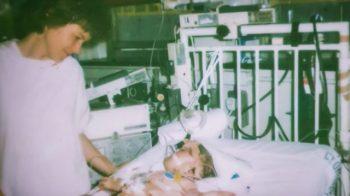 پزشکان به مادر گفتند کودک مبتلا به سندرم داون خود را رها کند، ۳۳ سال بعد دختر ثابت کرد زندگی نامحدود است