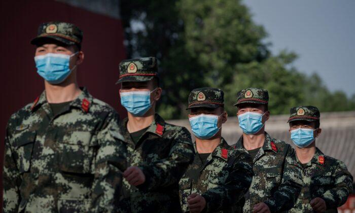 تهدیدات حزب کمونیست چین برای آمریکا سیاستهای داخلی و فعالیتهای جاسوسی هوآوی ترامپ فایو آیز وسعه نسل پنجم اینترنت نسل سوم و چهارم تلفن همراه کمونیسم