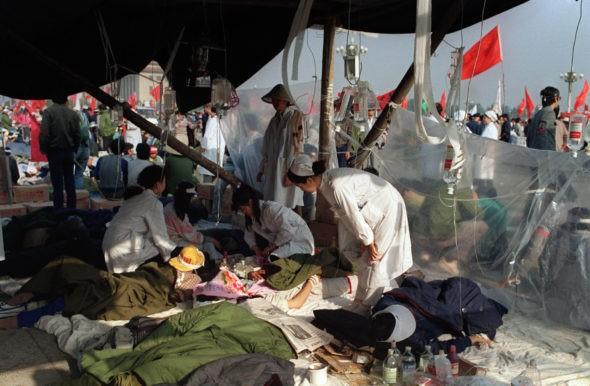 پنج حقیقت درباره قتل عام دانشجویان توسط حزب کمونیست چین در چهارم ژوئن در میدان تیانآنمن در واقع، جیانگ زمین، مغز متفکر قتل عام بود و دستور آن را صادر کرد