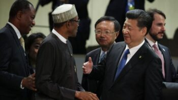 آفریقا در چنگال چین تجاری، نظامی، امنیتی، ارتباطات، آموزشی و ایدئولوژیک ارتش چین هوآوی حزب کمونیست چین جاسوسی خبرگزاری چین