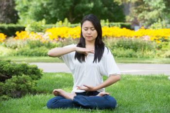 اثرات شگفت انگیز تمرین فالون دافا، رابطه سلامتی و آرامش با حقیقت، نیکخواهی، بردباری، تجربه مدیتیشن با ذهنی آگاه، تمرینی معجزهآسا برای سلامتی