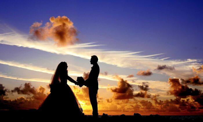 جامعه به کدام سو میرود آیا سنت ازدواج همچنان که ویژگیهای اساسی و متمایز خود را از دست می دهد، در حال از بین رفتن است؟ ازدواج چیست؟