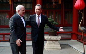 ایران به چین بگویید، ما را به خیر تو امید نیست، شر مَرسان ! پنهانکاری حزب کمونیست چین باعث گسترش جهانی این ویروس شد و درحالی که هنوز مقیاس