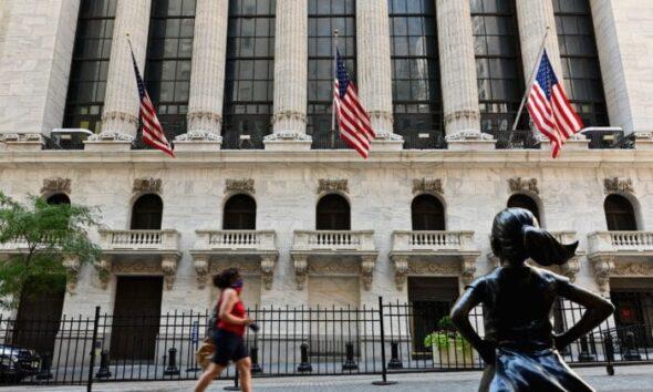 شرکتهای چینی نهادهای نظارتی ایالات متحده در حال پیشبرد برنامهای برای مهار شرکتهای چینی حاضر در بازار سهام آمریکا، و لغو توافق نامه امضا شد