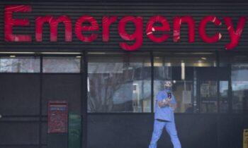 کانادا با هزینههای فراوان در حوزه سلامت رتبه پایینی از لحاظ زمان انتظار و دسترسی به پزشک دارد پرستاران بخش مراقبتهای بیماران کووید ۱۹