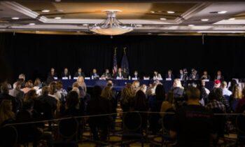 فیلادلفیا شاهدان در فیلادلفیا از منع دسترسی به فرآیند شمارش رای و سایر بینظمیها خبر دادند جلسه استماع عمومی کمیته جمهوری خواهان سنا