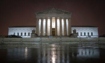 قانون اساسی ۳۹ ایالت در رابطه با دادخواست انتخاباتی که تگزاس به دادگاه عالی فرستاد، موضع خود را مشخص کردند. رسانههای وابسته، پیروزی معاون