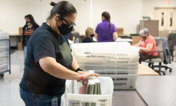 شهادت یک شاهد از آریزونا: دستگاههای دومینیون، رأیهای ترامپ را برای بایدن ثبت میکرد شخصاً دیده بود که وقتی یک رأی متعلق به ترامپ به بایدن