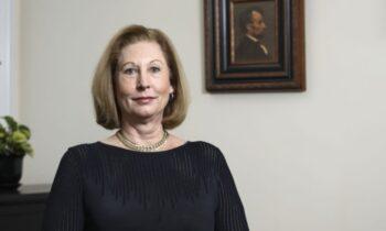 پرونده سیدنی پاول: پروندههای ویسکانسین و آریزونا در دادگاه عالی رد و پروندههای قضایی جورجیا و میشیگان ثبت شدند رونوشتها به صورت دستی تحویل