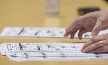 قانونگذاری ایالتی دو قانونگذار جمهوریخواه در ویسکانسین به یک دادخواست فدرال پیوستهاند که تلاش میکند از شمارش آرای کالج انتخاباتی چندین ایالت
