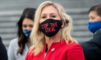 دشمن تیلور گرین، عضو جدید جمهوریخواه مجلس نمایندگان آمریکا، روز شنبه در یک مجموعه توئیت، به سیاست سوسیالیستی «آخر آمریکا» اشاره کرد. وی
