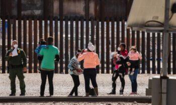 خبرنگار طبق گفته یک عکاس و خبرنگار تقدیرشده، دولت بایدن برای مشاهده یا گزارش فعالیتهای حفاظت مرز و گمرک (CPB) در مرز آمریکا و مکزیک اجازه