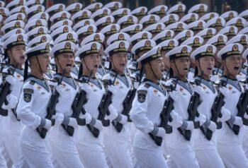 بودجه نظامی ایجاد یک ارتش قوی یکی از مهمترین وظایف رهبر چین شی جین پینگ است. نخست وزیر به ارتش دستور میدهد برای جنگ آماده باشد اقتصاد چین