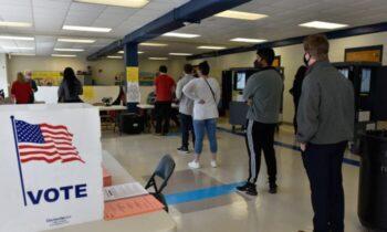غیابی مجلس نمایندگان جورجیا، یک لایحه چندگانه را تصویب کرد که بخشی از قوانین انتخابات را اصلاح خواهد کرد، از جمله قوانین مربوط به رای دادن