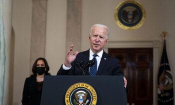 عدالت جو بایدن، رئیس جمهور آمریکا، در اولین اظهارات خود پس از محکومیت افسر سابق پلیس، درک شووین، گفت اگرچه این حکم نشانگر یک قدم رو به