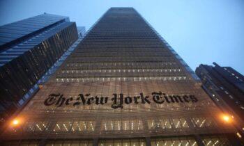 نیویورکتایمز در گذشته در چاینا دیلی، روزنامهای انگلیسی زبان و تحت کنترل حزب کمونیست چین، کار کردهاند که در سالهای اخیر برای نشر محتوا