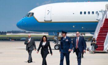 کامالا هریس، معاون رئیس جمهور، که با فشار فزایندهای برای بازدید از مرز ایالات متحده و مکزیک در بحبوحه افزایش مهاجرت غیرقانونی روبرو است،