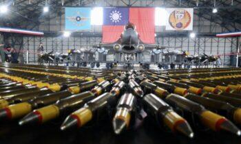 تایوان وزیر امور خارجه تایوان در ۲۱ اوت پکن را متهم کرد که میخواهد با به دست گرفتن کنترل جزیره دموکراتیک تایوان، راه طالبان را دنبال کند و