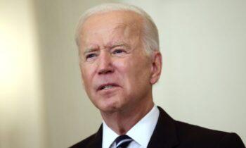 جو بایدن، رئیس جمهور آمریکا، در بیستمین سالگرد حملات تروریستی ۱۱ سپتامبر از تصمیم خود مبنی بر خروج نیروهای ایالات متحده از افغانستان دفاع کرد اما اعلام داشت که در پی تصاحب قدرت طالبان، گروه تروریستی القاعده ممکن است سعی کند بدنه خود را در این کشور بازسازی کند.