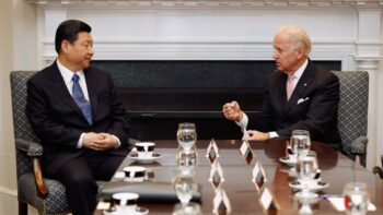 جنگ سرد گوترش معتقد است با وجود تنشهایی که بر سر حقوق بشر و حاکمیت دریای چین جنوبی بین این دو کشور وجود دارد، باید در زمینه آبوهوا و