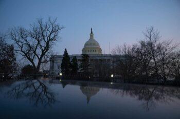 خزانهداری در صورت عدم افزایش سقف بدهی، نقدینگی دولت فدرال در تاریخ ۱۸ اکتبر به اتمام میرسد اگر در کنگره لایحهای به تصویب نرسد و میزان بدهی